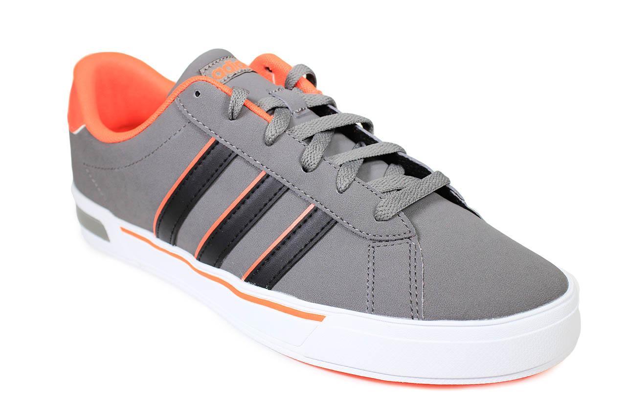 adidas gris con naranja